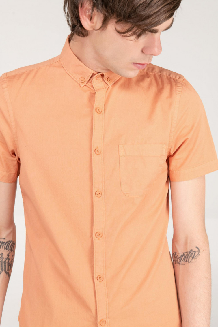 CAMISA NARANJA BUTTON DOWN