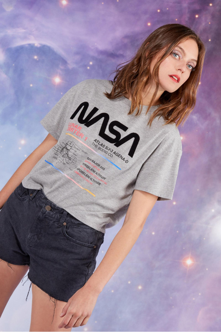 CAMISETA NASA TEXTURA ESTAMPADA