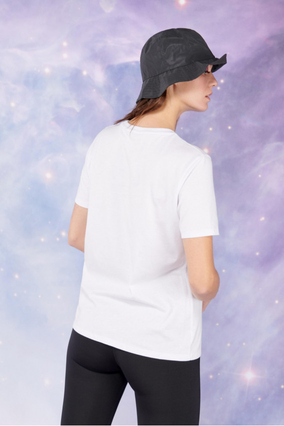 Camiseta cuello redondo manga corta, con estampado de la nasa
