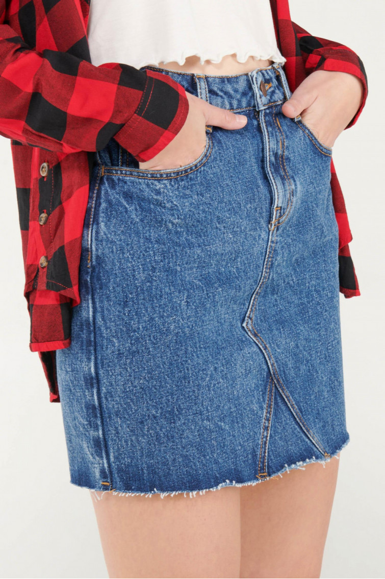 Falda de jean con bolsillos