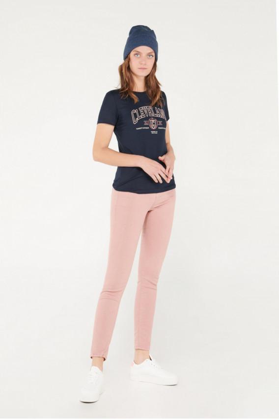 Camiseta cuello redondo, manga corta con estampado jeanswear