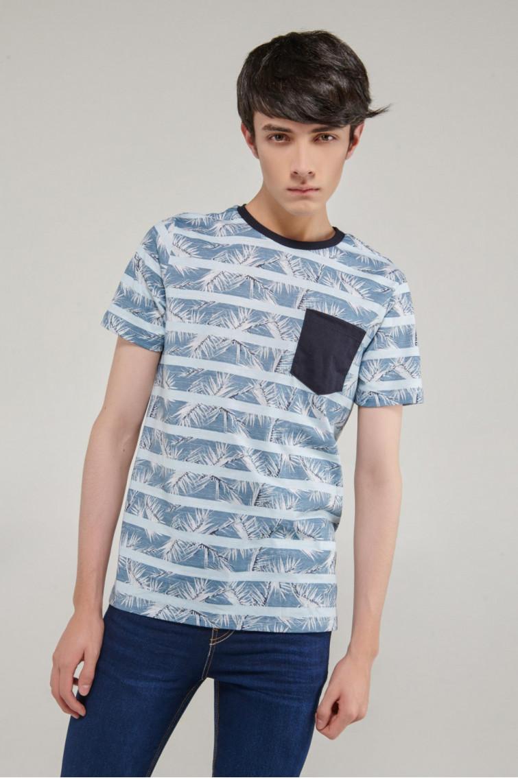 Camiseta cuello redondo manga corta con estampado y bolsillo parche