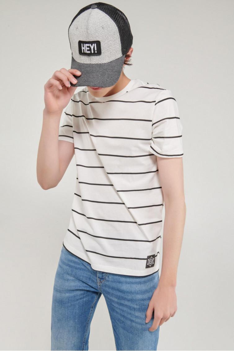 Camiseta manga corta estampada frente y mangas