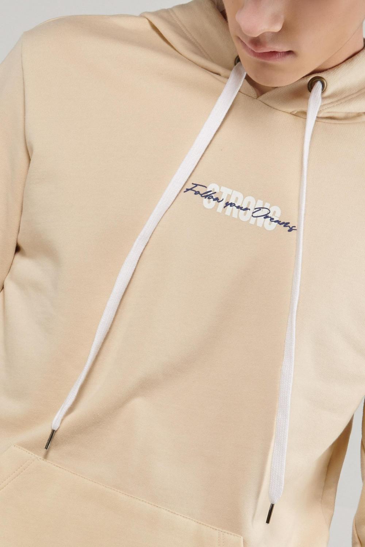 Fleece capota con bolsillo parche, estampado