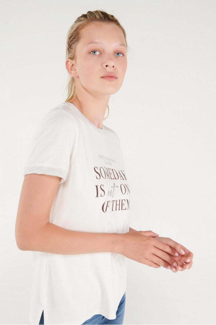 Camiseta estampada manga corta cuello y puños en contraste en lurex
