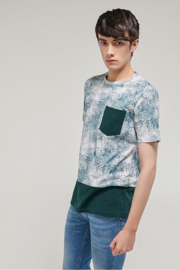Camiseta manga corta estampada con bolsillo