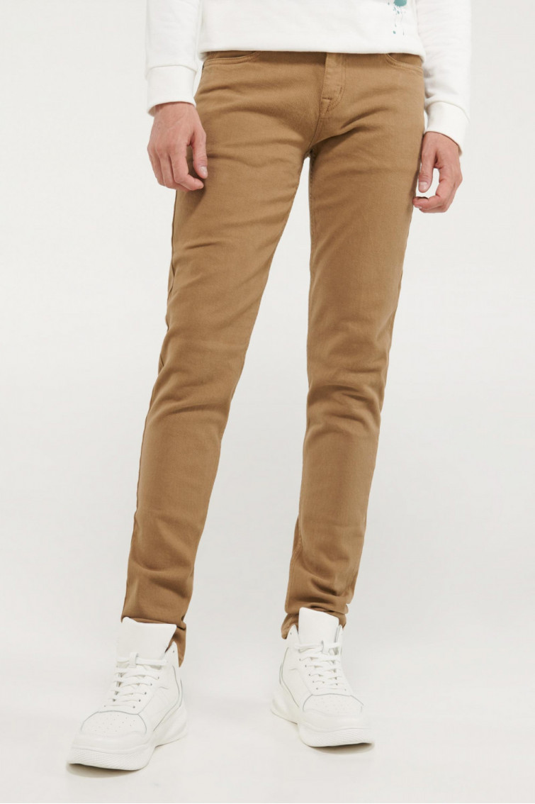 Pantalon unicolor slim