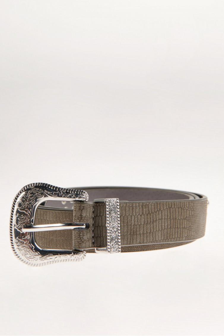 Cinturon con taches