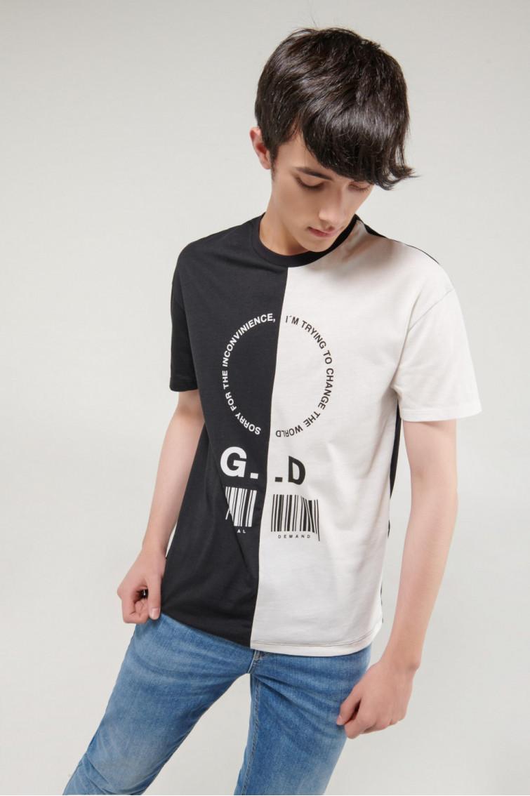 Camiseta manga corta moda con estampado en frente, bicolor.