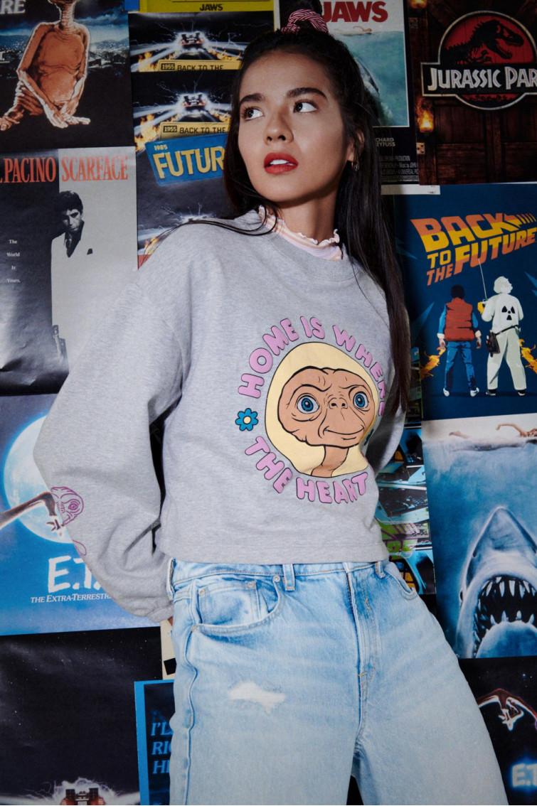 Buzo cuello redondo licencia Universal, E.T.
