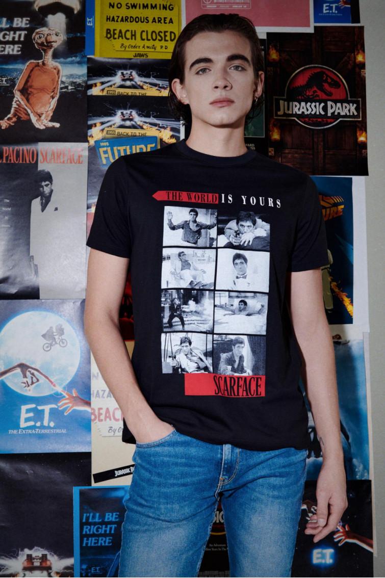 Camiseta manga corta licencia Universal.