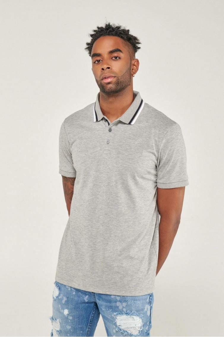 Camisa Polo manga corta, con cuello y puños tejidos