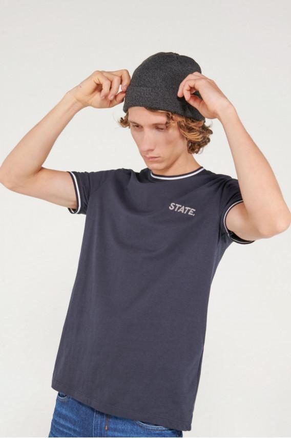 Camiseta manga corta con bordado en frente