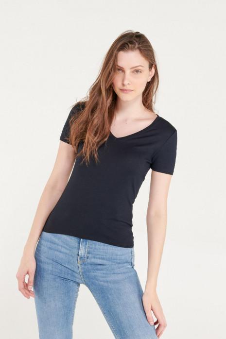 Camiseta básica, manga corta con cuello en V