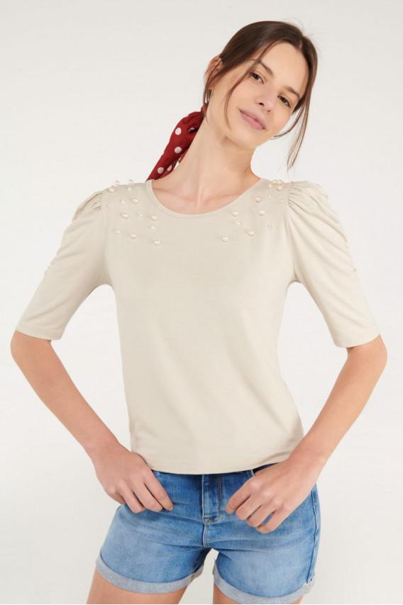 Camiseta unicolor con perlas, chic.