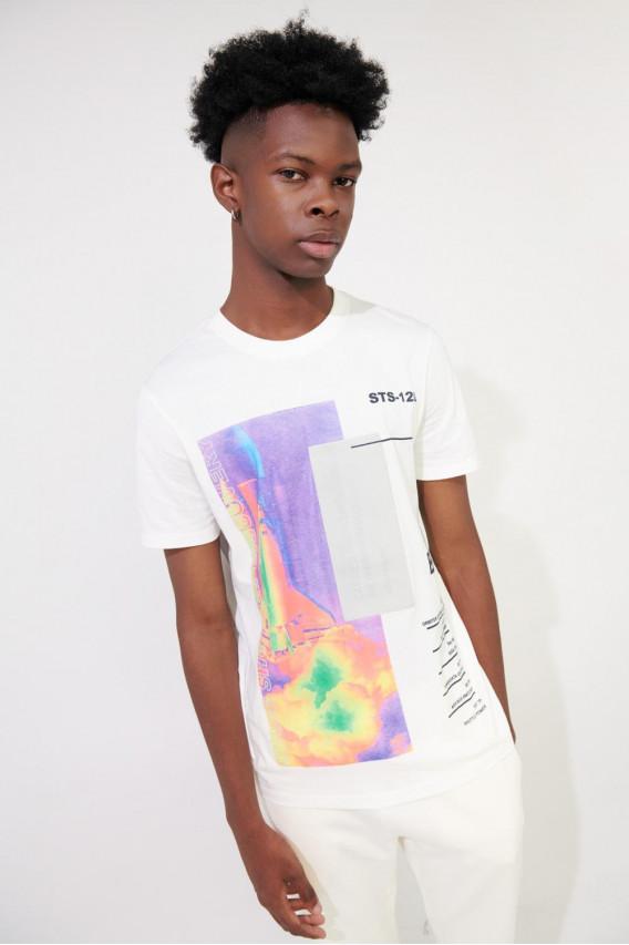 Camiseta manga corta estampada de NASA.