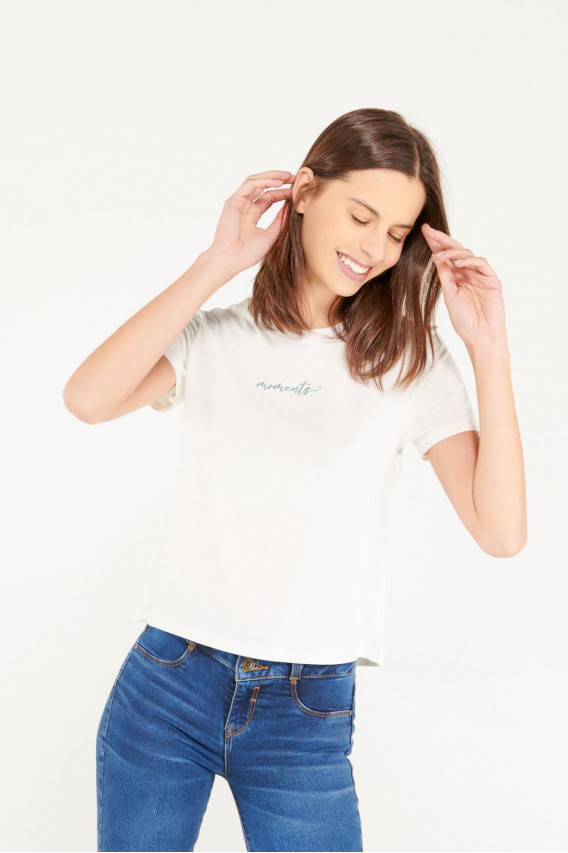 Camiseta manga corta y cuello redondo con estampado.