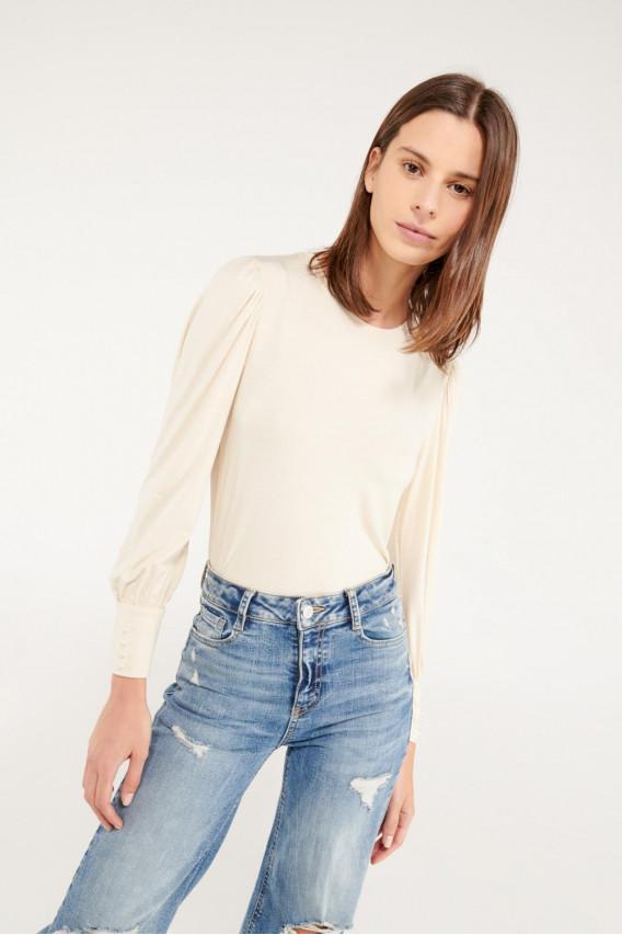 Camiseta manga larga con perlas.