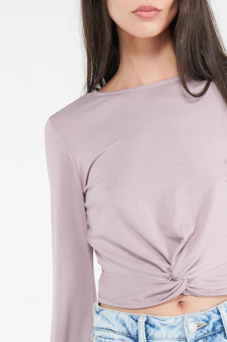 Camiseta manga larga con anudado fijo en frente cintura