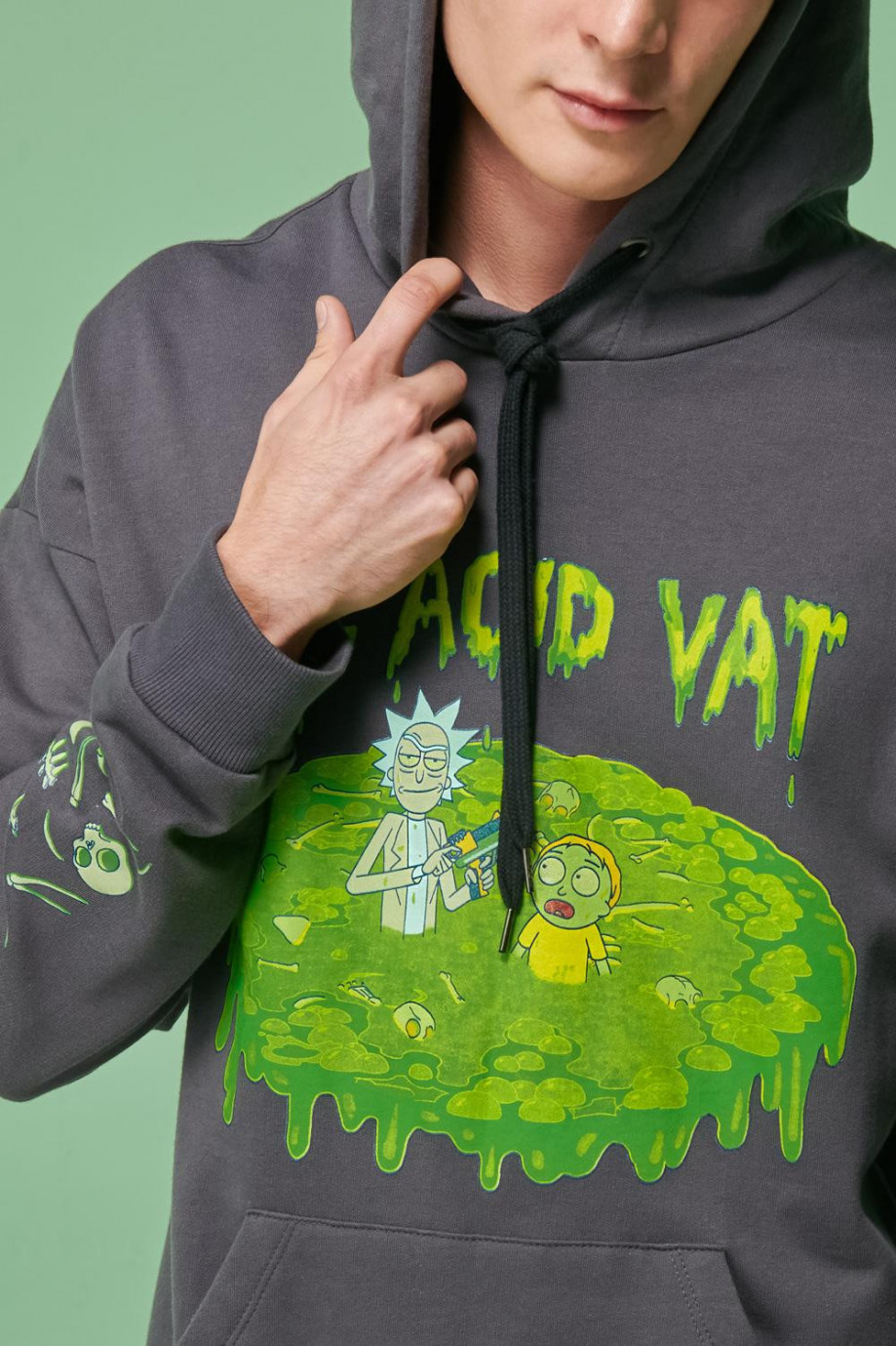 Buzo capota, estampado de Rick & Morty.