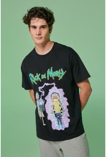 Camiseta estampada de Rick & Morty.