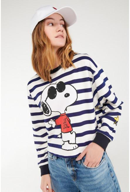 Buzo cerrado, estampado de Snoopy.