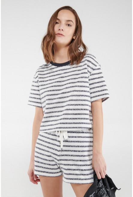 Camiseta manga corta, líneas.