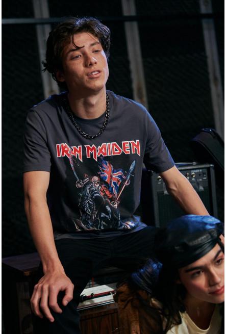 Camiseta manga corta, estampado de Iron Maiden.