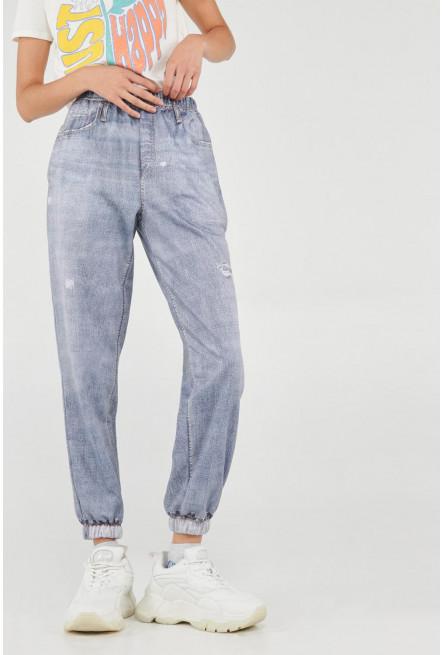 Pantalón jogger con estampado jean